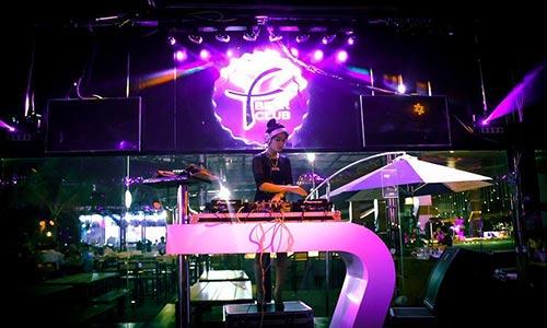 Hệ thống âm thanh biễu diễn ,quán Bar Club DJ lớn