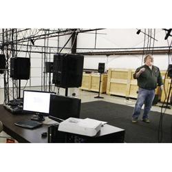 Hệ thống loa mô phỏng âm thanh chiến trường