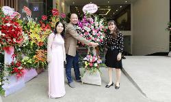 Sao Việt đến chúc mừng TCA khai trương cơ sở mới tại Hà Nội