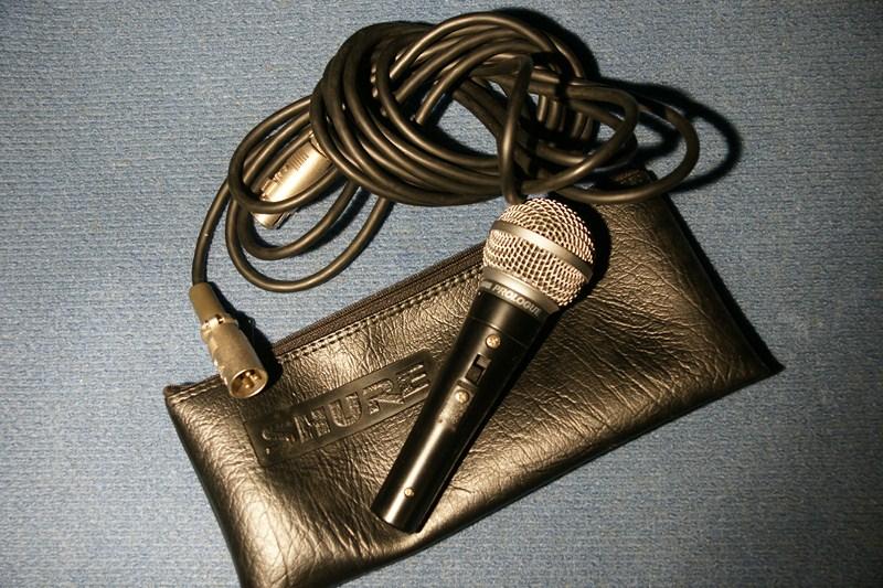 Shure 14L : Micro cầm tay có dây