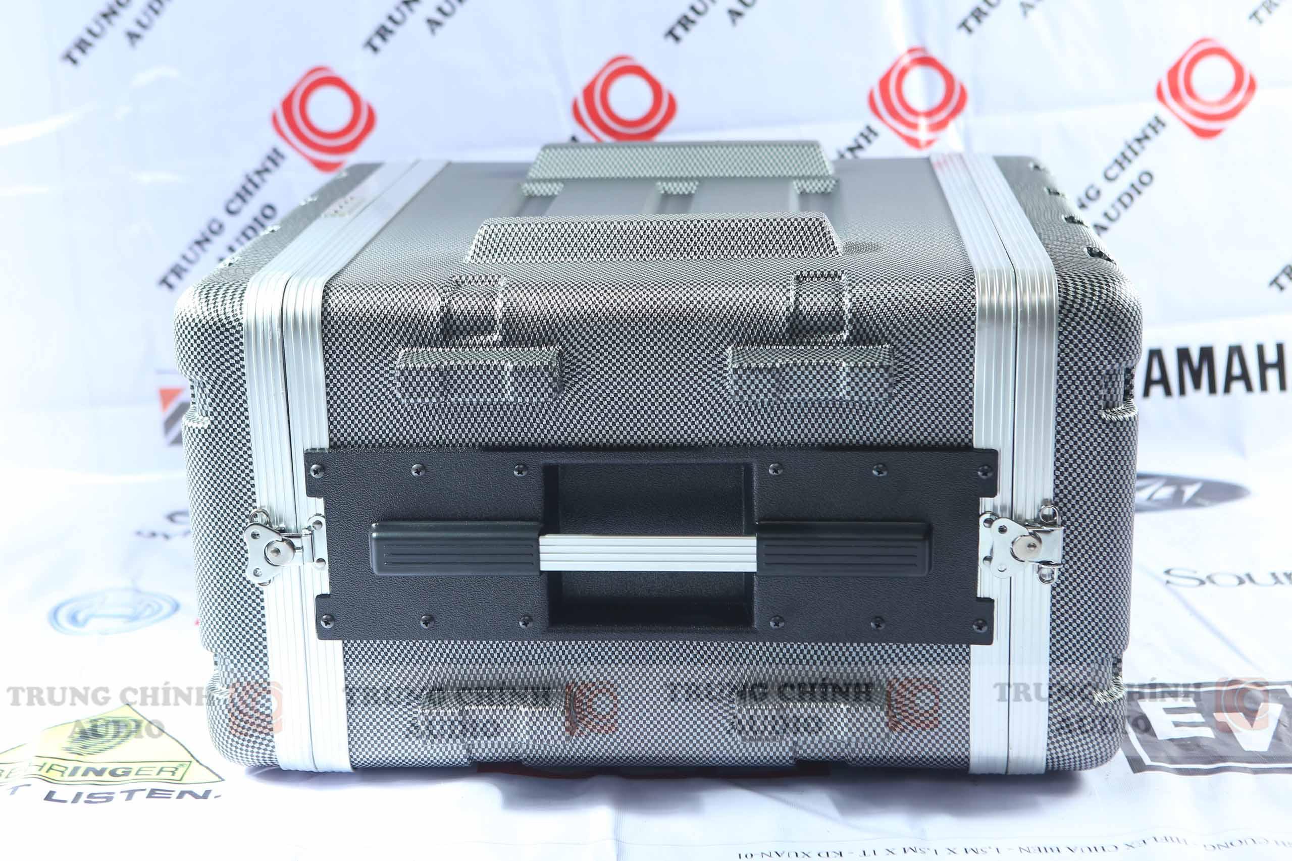 Tủ âm thanh ABS chuyên dụng AV 6U