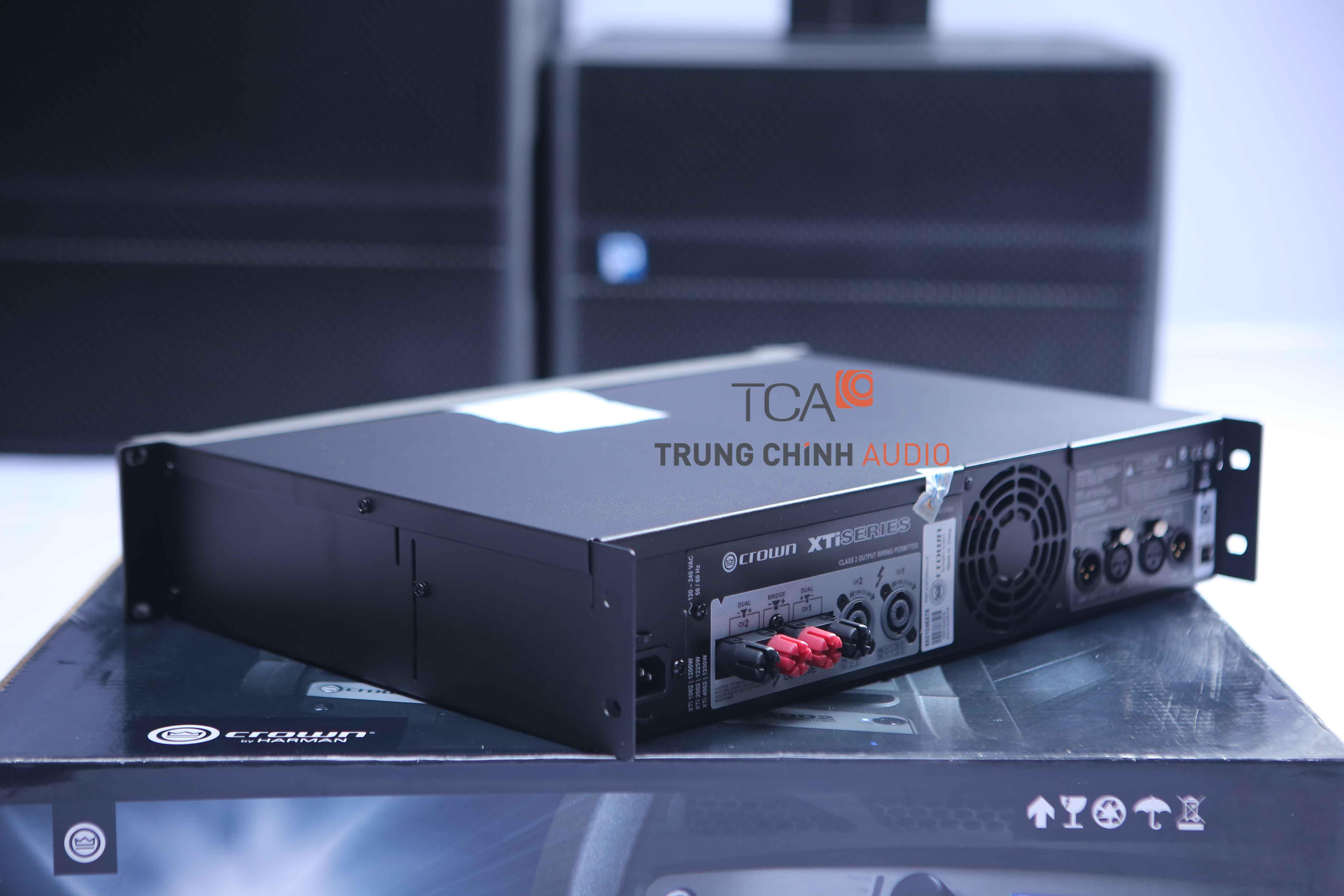 Crown XTi 2002 : Bộ khuếch đại công suất