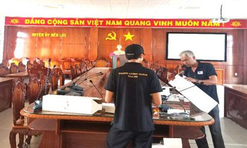 Hệ thống âm thanh hội thảo JTS: phòng họp UBND Huyện Bến Lức - Long An