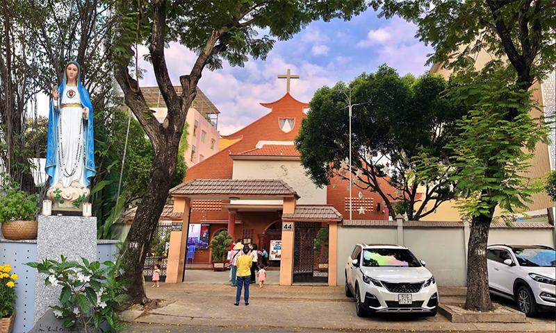 Sửa chữa và bảo trì bộ dàn âm thanh hội trường nhà thờ Mai Khôi, HCM